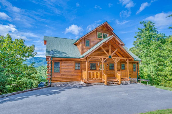 Pigeon forge pet friendly lodging from pet friendly for Luxury pet friendly cabins pigeon forge