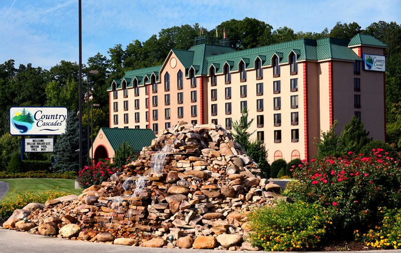 Country Cascades Pigeon Forge Hotels Pigeonforge Com