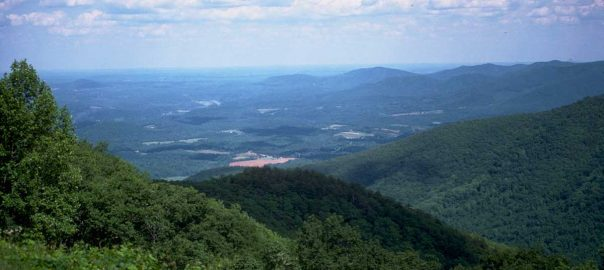 Scenic Drives in the Smoky Mountains: Click to read more.