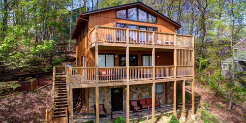 Summit Cabin Rentals: Click to visit page.