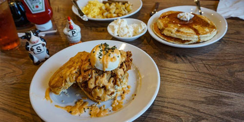 Frizzle Chicken Farmhouse Cafe: Click to visit page.