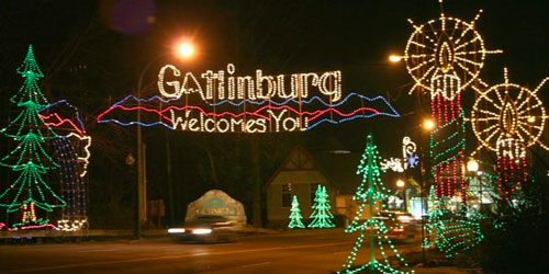 Gatlinburg Trolley Ride Of Lights 2020: Click to visit page.
