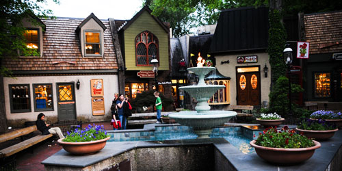 Gatlinburg, Tennessee: Click to visit page.