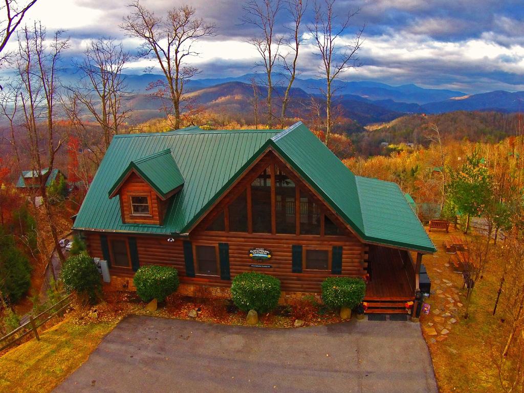 Mountain air cabin rentals for Jackson cabins gatlinburg tenn