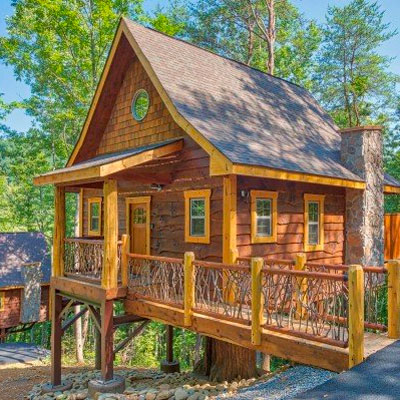 Book Out On A Limb Cabin