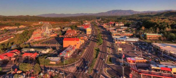 Pigeon Forge Hotels On The Parkway: Click to read more.