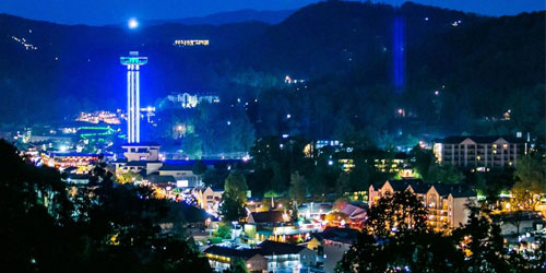 Gatlinburg Space Needle: Click to visit page.