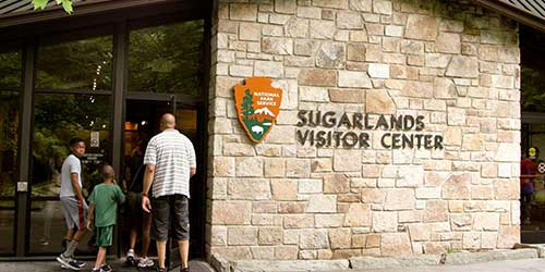 kids activities in the smoky mountains