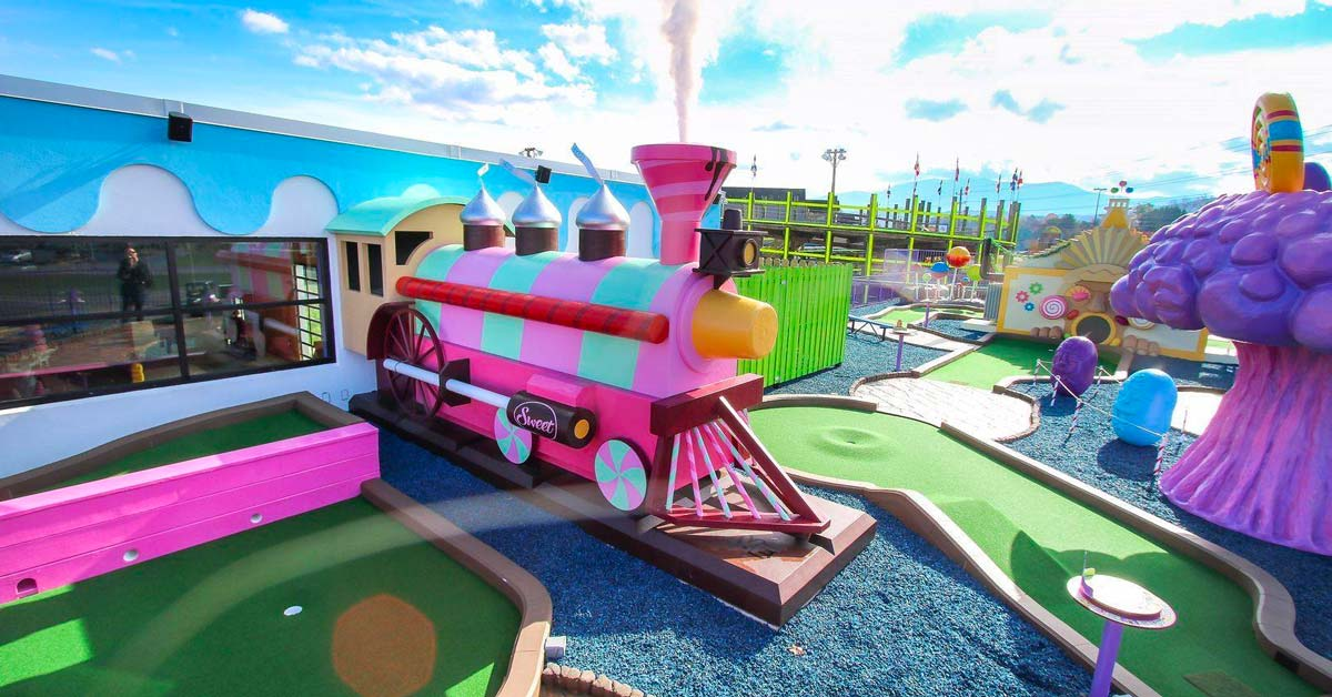 Crave Golf Club Top Mini Golf Courses In Pigeon Forge Tn