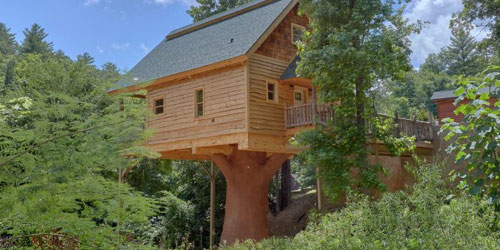 Stay In A Treehouse In The Smoky Mountains Unique Cabin Rentals