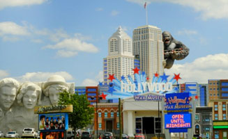 See the Stars at the Hollywood Wax Museum: Click to view post
